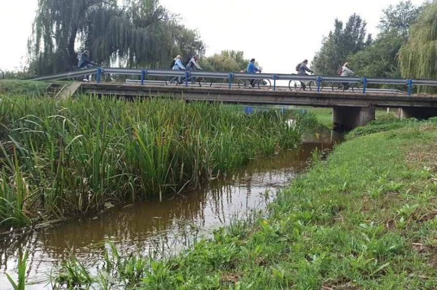 Elzárták a zsilpet, nem folyik a víz a Velencei-tóba