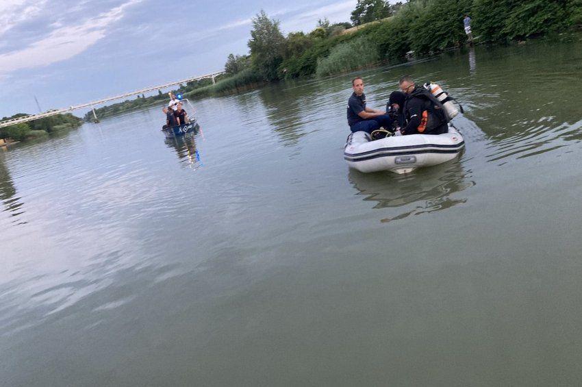 Horgász talált holttestet a csepeli Duna-parton