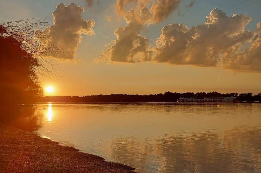 A vízügy szerint nem érinti a Dunát a Garamon történt szennyezés