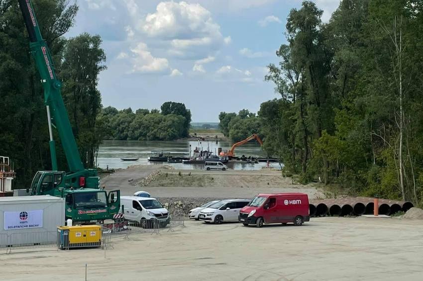 Letették a Kalocsa-Paks új Duna-híd alapkövét